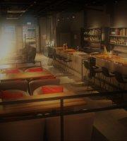 Pixy bar & cuisine
