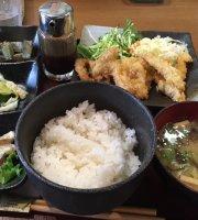 Umi No Eki Pratto Minato Ichiba Keishoku Cafe Little Angera