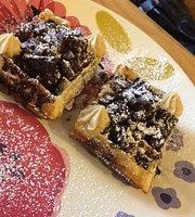 El Bigote Coffee & Waffles