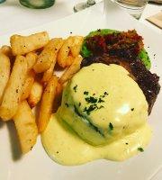 Azura's Garden Restaurant