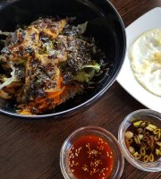 Youns Korean Soulfood Restaurant & Bar