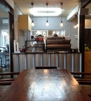 Pikul Coffee & Roastery