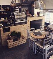 Petit Bambou Cafe