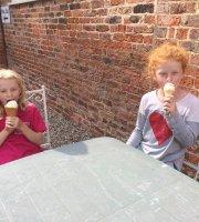 Miss Daisy's Tearoom at Sutton Park