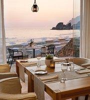 Tortuga Bar Restaurant