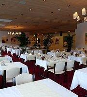 Panoramarestaurant des Hotel-Kurhauses am Sarnersee