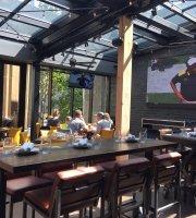 Kellys Landing Bar Grill Hub