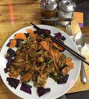 Shujai Thai Noodle