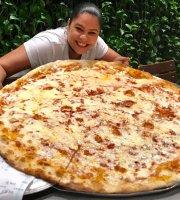 Lazy Moon Pizza