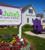 ‪Julie's Park Cafe‬