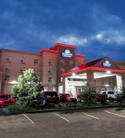 Days Inn & Suites Edmonton Airport