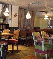 Divine Presse Cafe