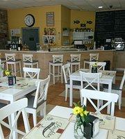 La Bernarda Cafeteria y Restaurante