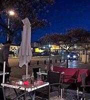 Restaurant Place des Aires