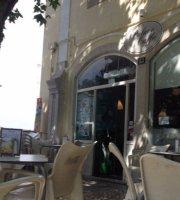 Palace cafes