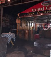 Road Runner Bar, Restaurant and Pizzeria