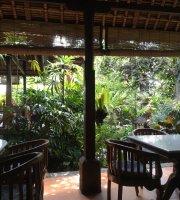 Cafe Wayan & Bakery