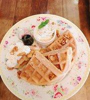 Brulee Cafe