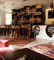 Republica Wine Bar & Art Gallery