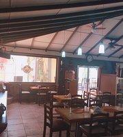 Starbuds Restaurant & Bar