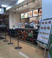 SUBWAY Oimachi Hankyu Family Mart