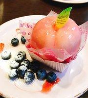 Cafe Chez Yoshiko