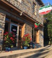 Mena's Pizzeria & Italian Restaurant