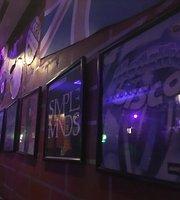 Cafe 80's Bar & Resto