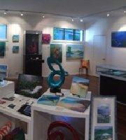 Hamilton Island Art Gallery