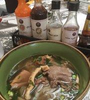 NamNam Noodle Bar - Plaza Singapura