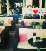Dytes Cafe & Coctail Bar