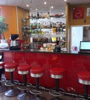 Bistro Restaurant Paparazzi