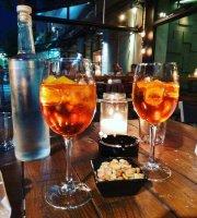 Mumok Cocktail Bistro