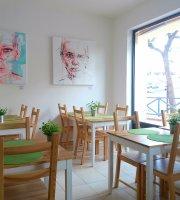 Alfarroba Cafe