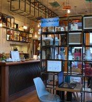 Mi ujsag V.An? - literary café in Gödöllő Library