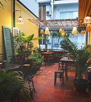 Nha Tu Restaurant