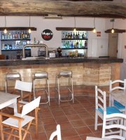 Hugo's bar