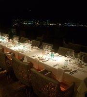 Etho's Restaurant & Lounge