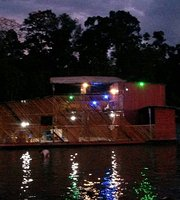La Balsa Flotante Restaurante & Bar Amazon