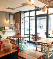 Le Cafe Fauve