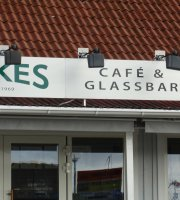 Ackes Cafe, glass- & grillbar