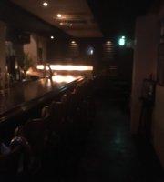 Collin's Bar