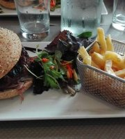 le milanO Brasserie Restaurant