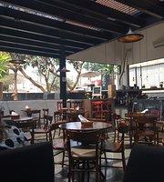 Dom Degust Cafe