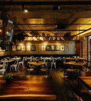 Bica & Co Courtyard Cafe