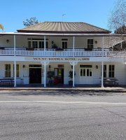 Mt Kembla Village Hotel