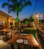 Vinaz Resto Bar