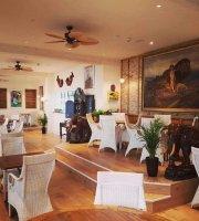 Colonial Beach Bar & Restaurant