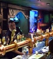Labyrinth Pub