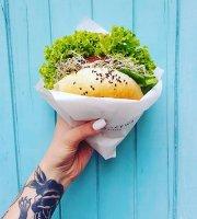 KROWARZYWA Vegan Burger